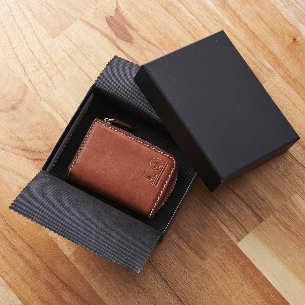 オリーチェ カード&コイン&キーケース 名入れ無し パッケージ入りでプレゼントにもおすすめ。