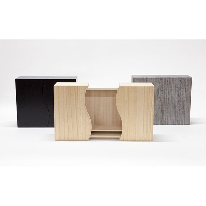 想ひ箱 日本製ミニ仏壇 ブラック・グレー お届けの色は、(ア)ブラック(イ)グレーです。中央のナチュラルは別品番で販売しております。