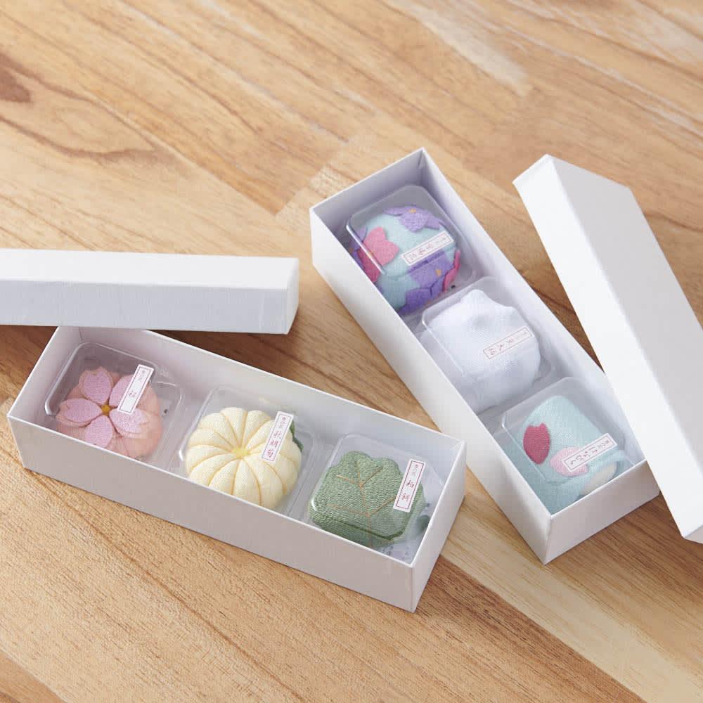 夢み屋 お香入りちりめん京菓子(お供え菓子) まるで本物の和菓子のようなパッケージです。