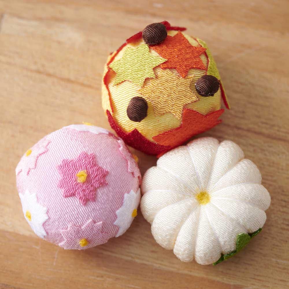 夢み屋 お供えちりめん京菓子       (イ)ブルー系 3点セット まるで本物の和菓子のようなパッケージです。
