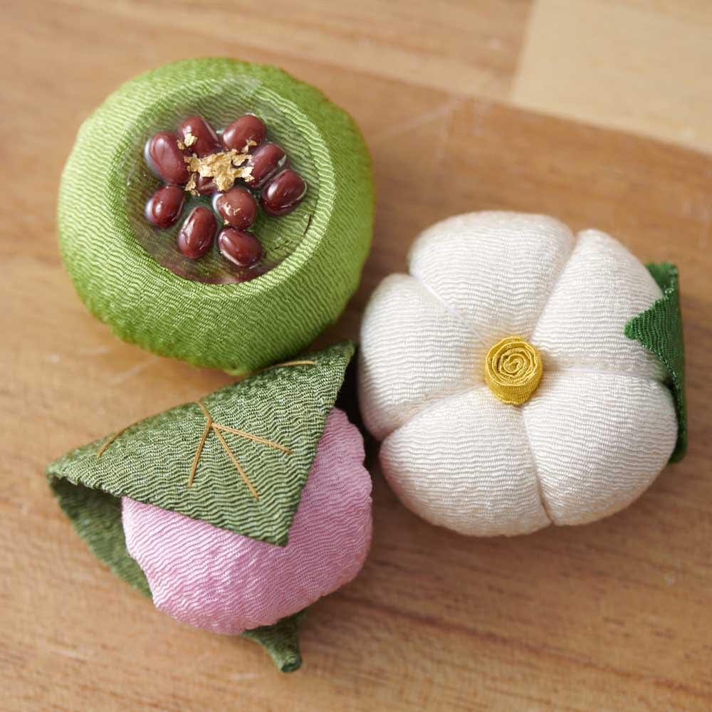 夢み屋 お供えちりめん京菓子       お供えの贈り物にもぴったり。