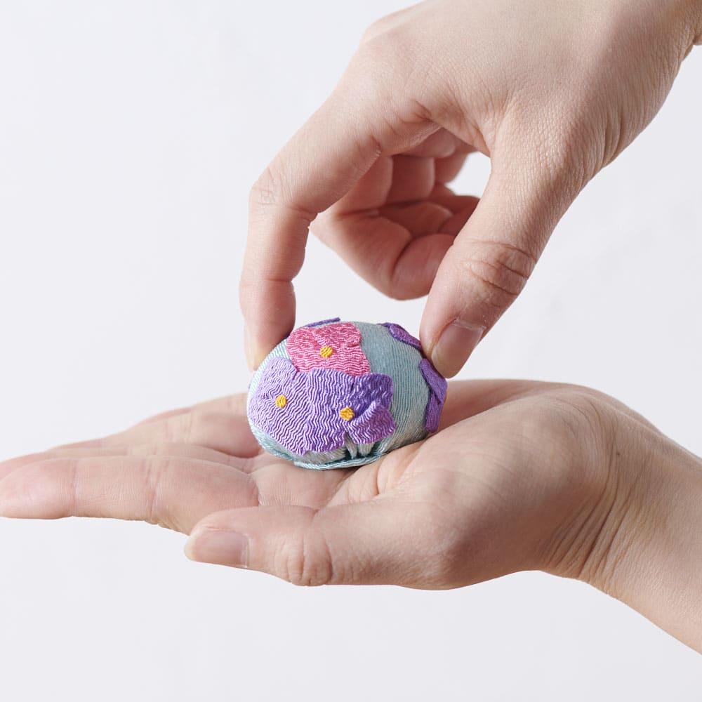 夢み屋 お供えちりめん京菓子       本物の和菓子のようなサイズ感