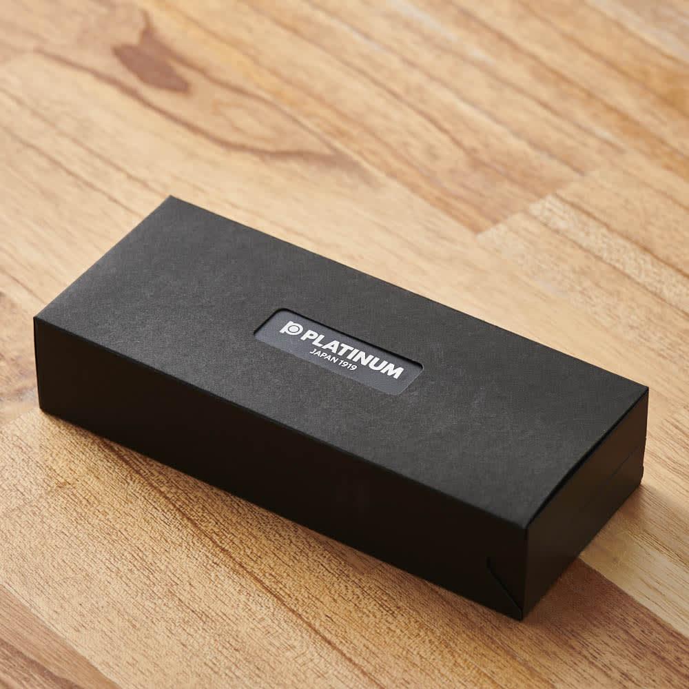 プラチナ万年筆 万年筆 プロシオン 中字 ボックス入りでプレゼントにおすすめです。
