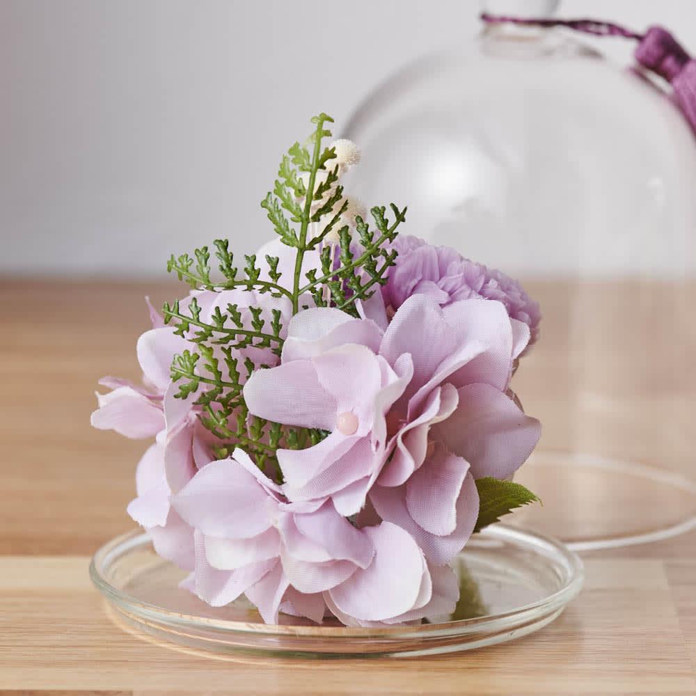 ガラスドームミニ仏花プリザーブド 背面も美しい仕上がり。