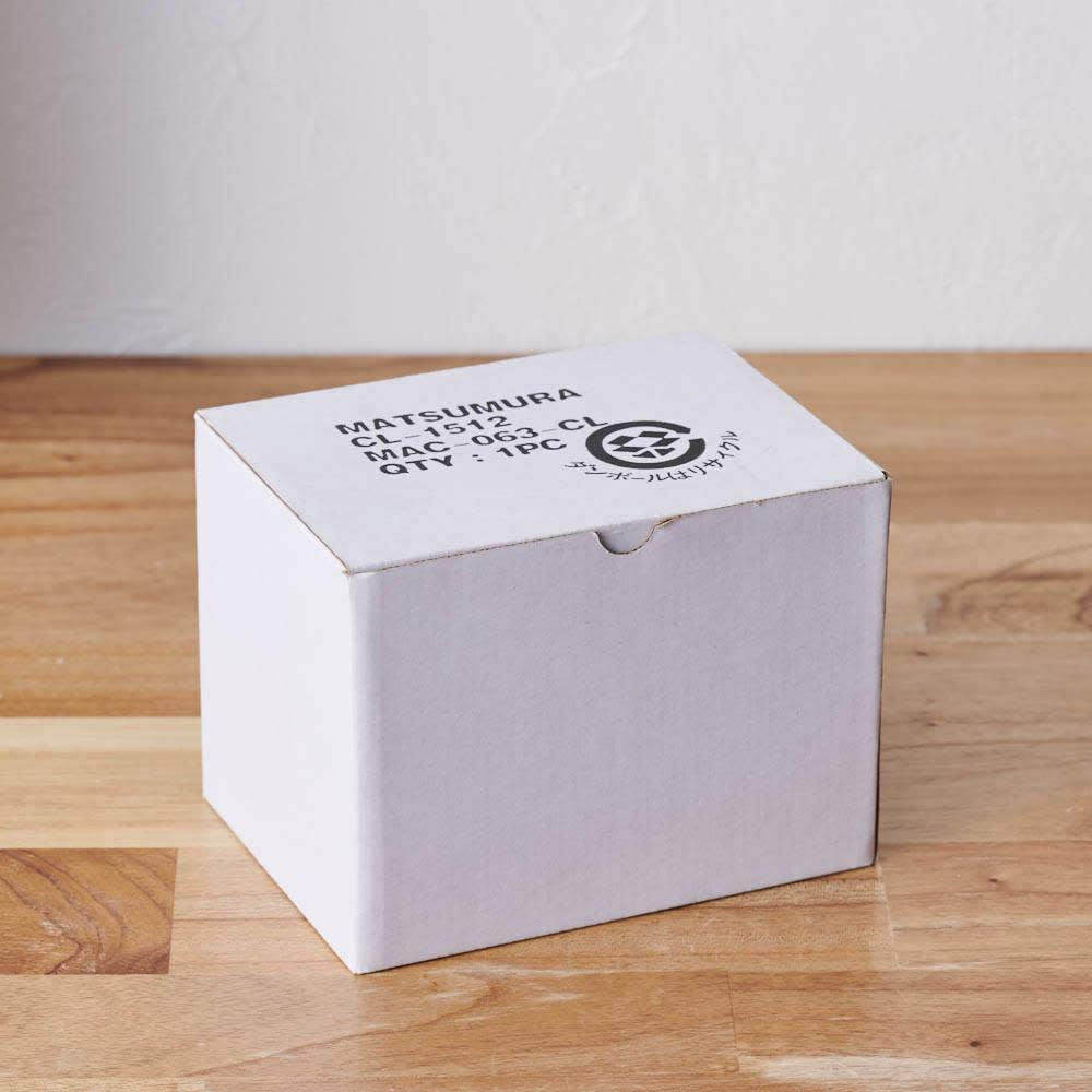 ガラスドームミニ仏花プリザーブドお線香付 白箱に入れてお届けします。