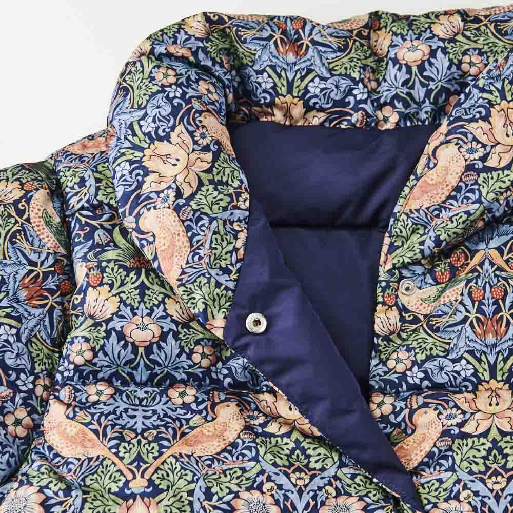 〈モリスギャラリー〉ダウン肩当て スナップボタンで開閉簡単!襟元はヘチマ衿でダウンが入っていますので立ててお召しいただくと首元もあたたか。