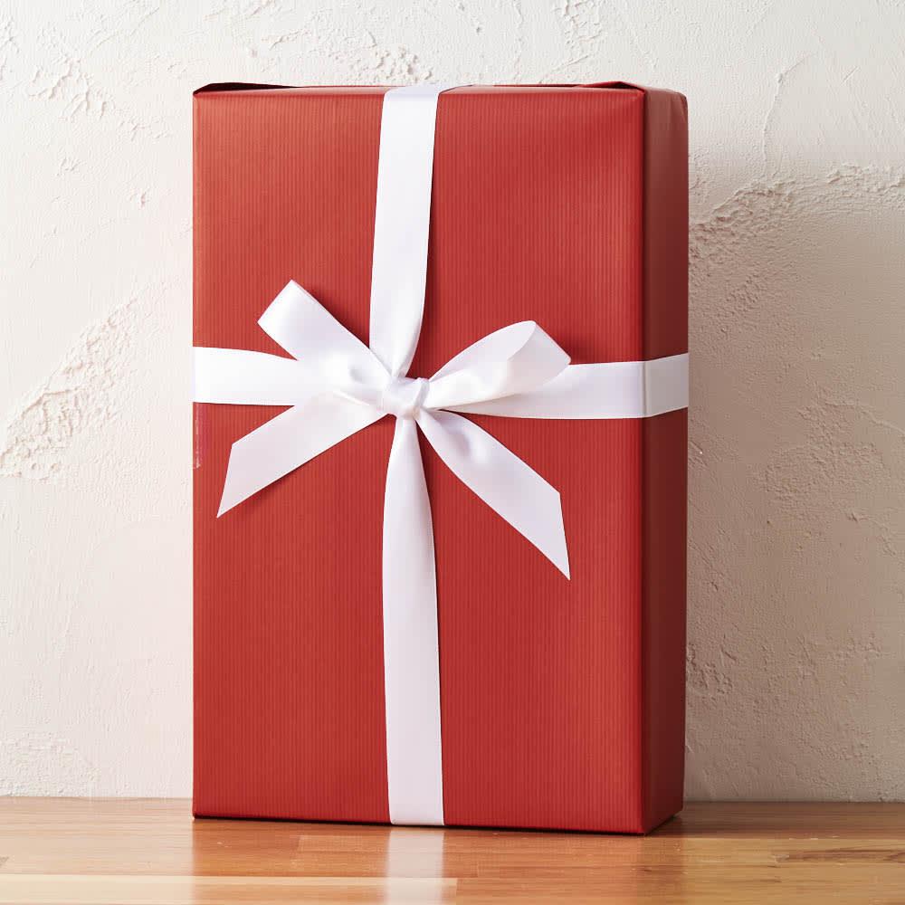 紅白スパークリングワインセット 化粧箱を包装し、リボンをかけ、茶紙で包んだ梱包でお届けします。