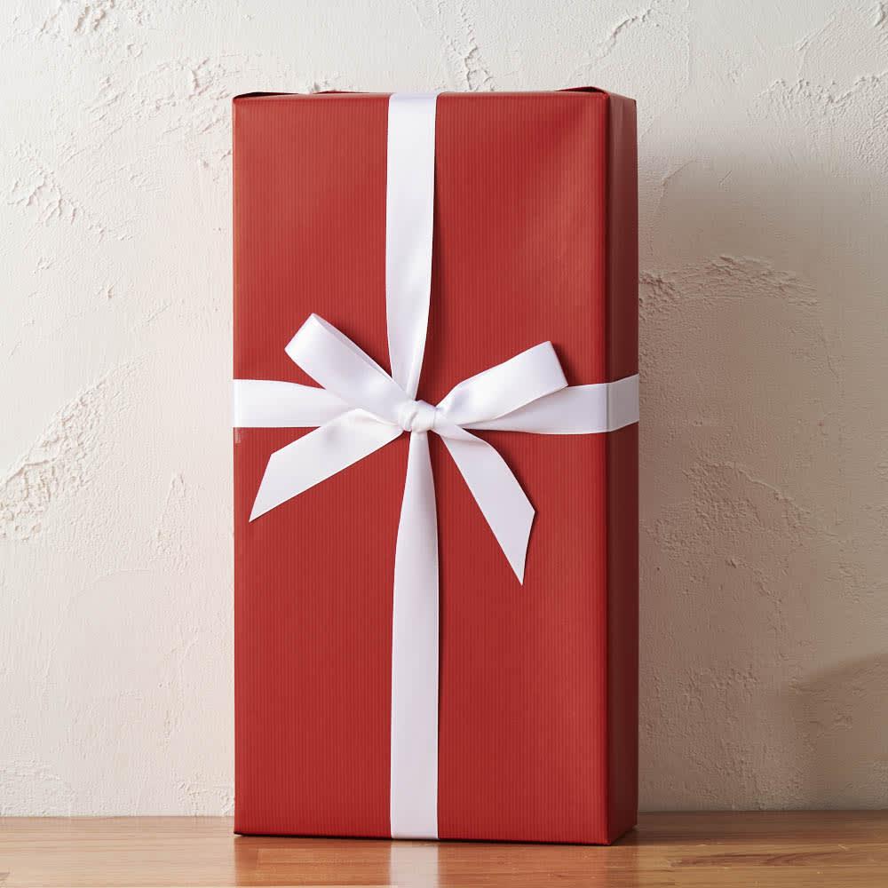 ロゼワイン&プリザーブドフラワーセット 化粧箱を包装し、リボンをかけ、茶紙で包んだ梱包でお届けします