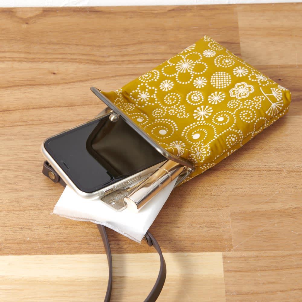 くろちく ふくれ織スマホがま口ポーチ スマートフォンとちょっとしたものを入れるのに便利。