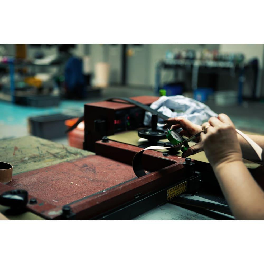 グレンロイヤル ポケットシューホーン 商品は伝統的な高グレードのブライドルレザーを使用したハンドメイド。英国らしい職人による丁寧なもの作りが品格を感じさせます。