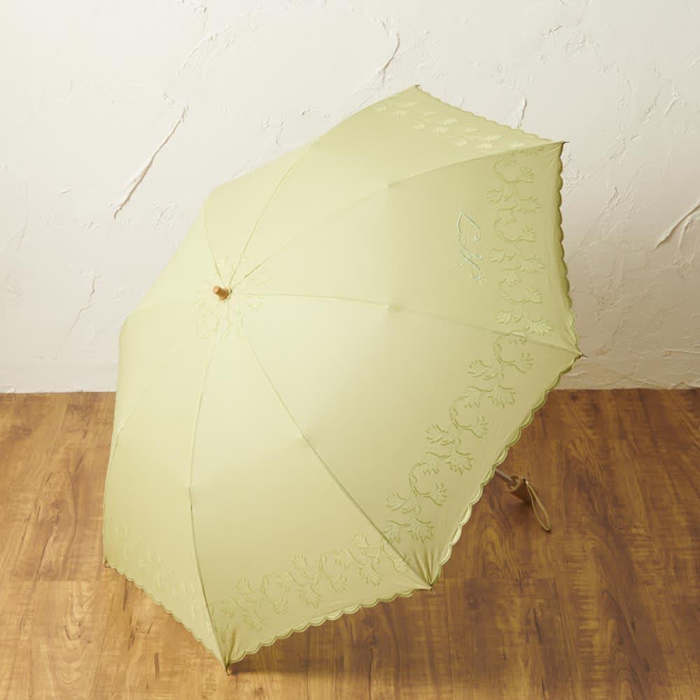 日本製 カットジャカード 刺繍折りたたみ 日傘 (イ)グリーン  ※画像はイニシャル刺繍が入っていますが、お届けの商品は入りません。