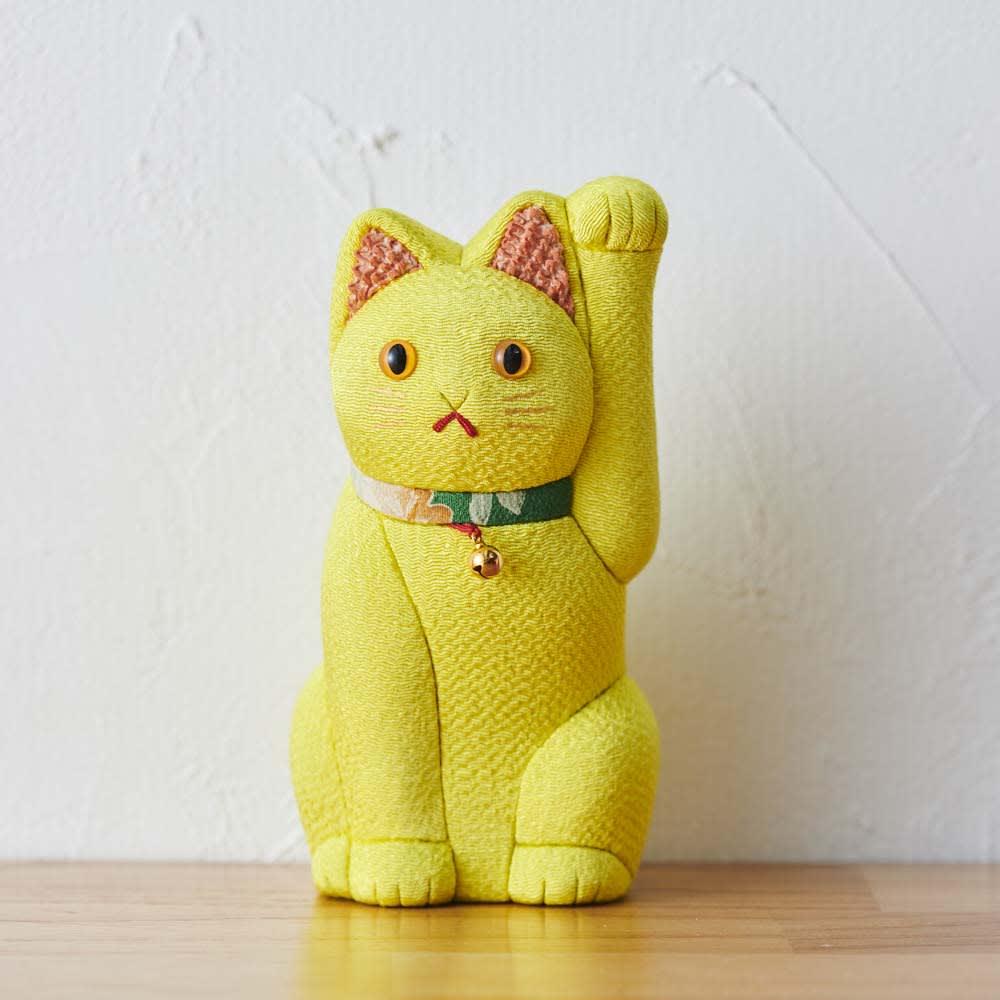くろちく 古布木目込人形 招き猫 (ア)黄 金運UPや縁結びに良いといわれています。