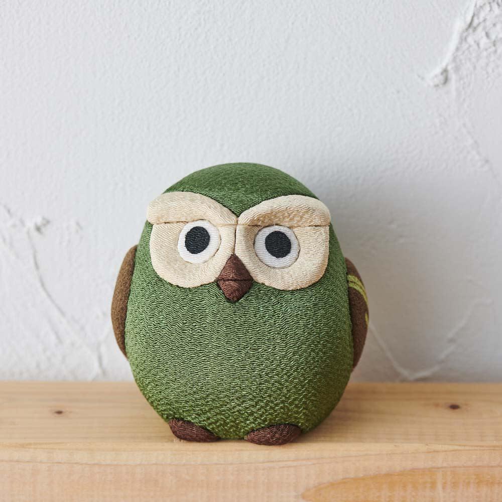 くろちく 古布木目込人形 お守りふくろう (オ)緑 安らぎを与え、健康運を高める色とされています。