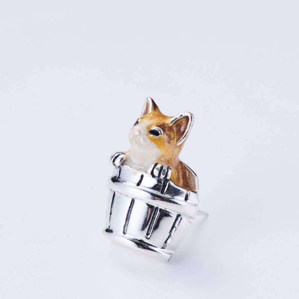 サツルノ シルバー ピンブローチ猫 (イ)ブラウン