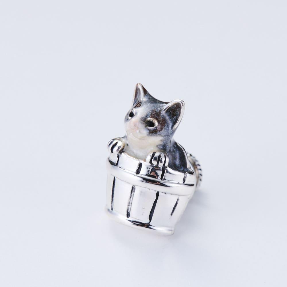 サツルノ シルバー ピンブローチ猫 (ア)グレー