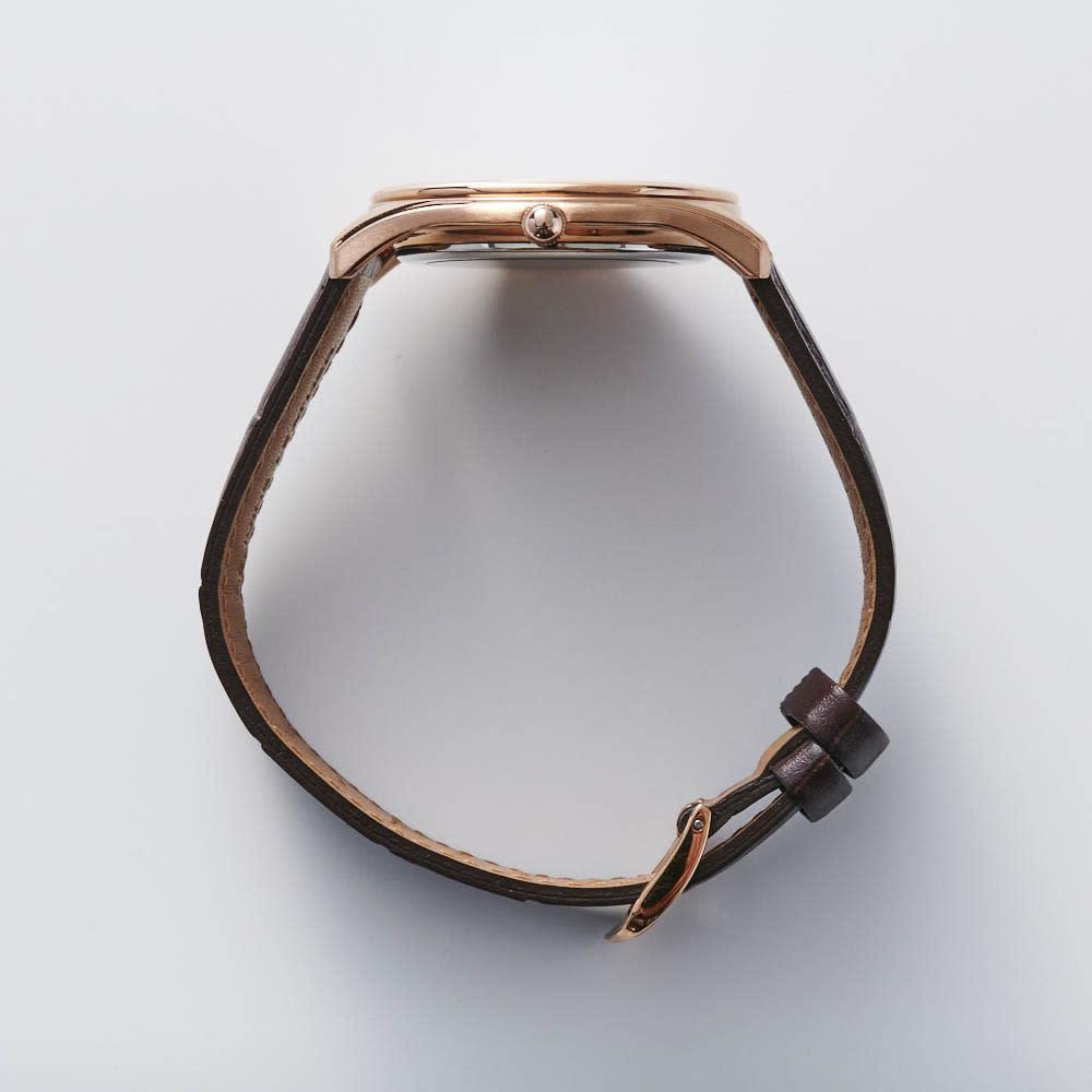 CITIZEN/シチズンコレクション 【メンズ】エコ・ドライブ 薄型ケースレザーベルトウォッチ BJ6482-04A ケースの厚みを抑えた薄型設計。腕元にすっきり収まります。
