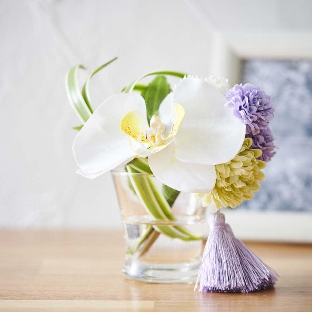 ペットご供養セット (ロウソク・線香&胡蝶蘭マジックウォーターミニ供花) 水やり不要のアーティフィシャルフラワーなので、お手入れ簡単で長く美しさを保ちます。