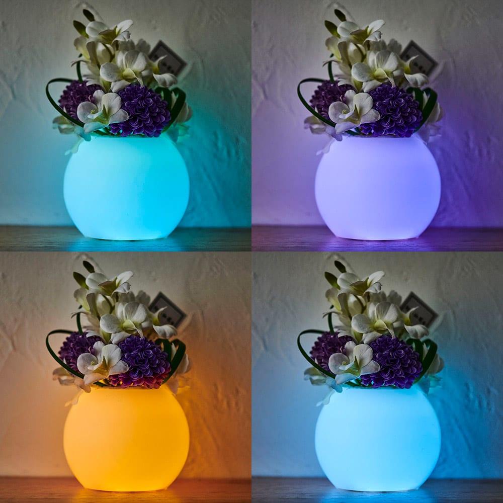 灯る仏花(R) タイマーライト付き リモコンで12色に切替可能。12色が順番に変わるマルチカラー設定やタイマー設定も可能です。※置く場所の暗さにより点灯時の色味・見え方は異なります。