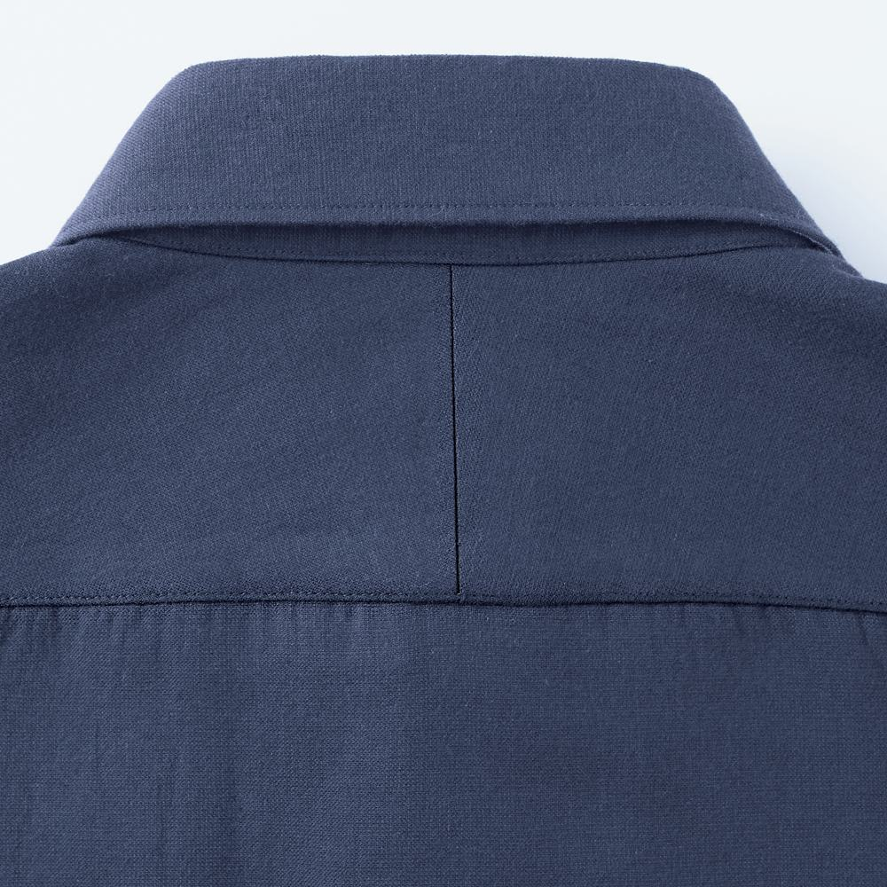 SCENE(R) タオルシャツ Back Style 背面の肩部分はフィット感が高まるスプリットヨークを採用して、着心地を重視しました。