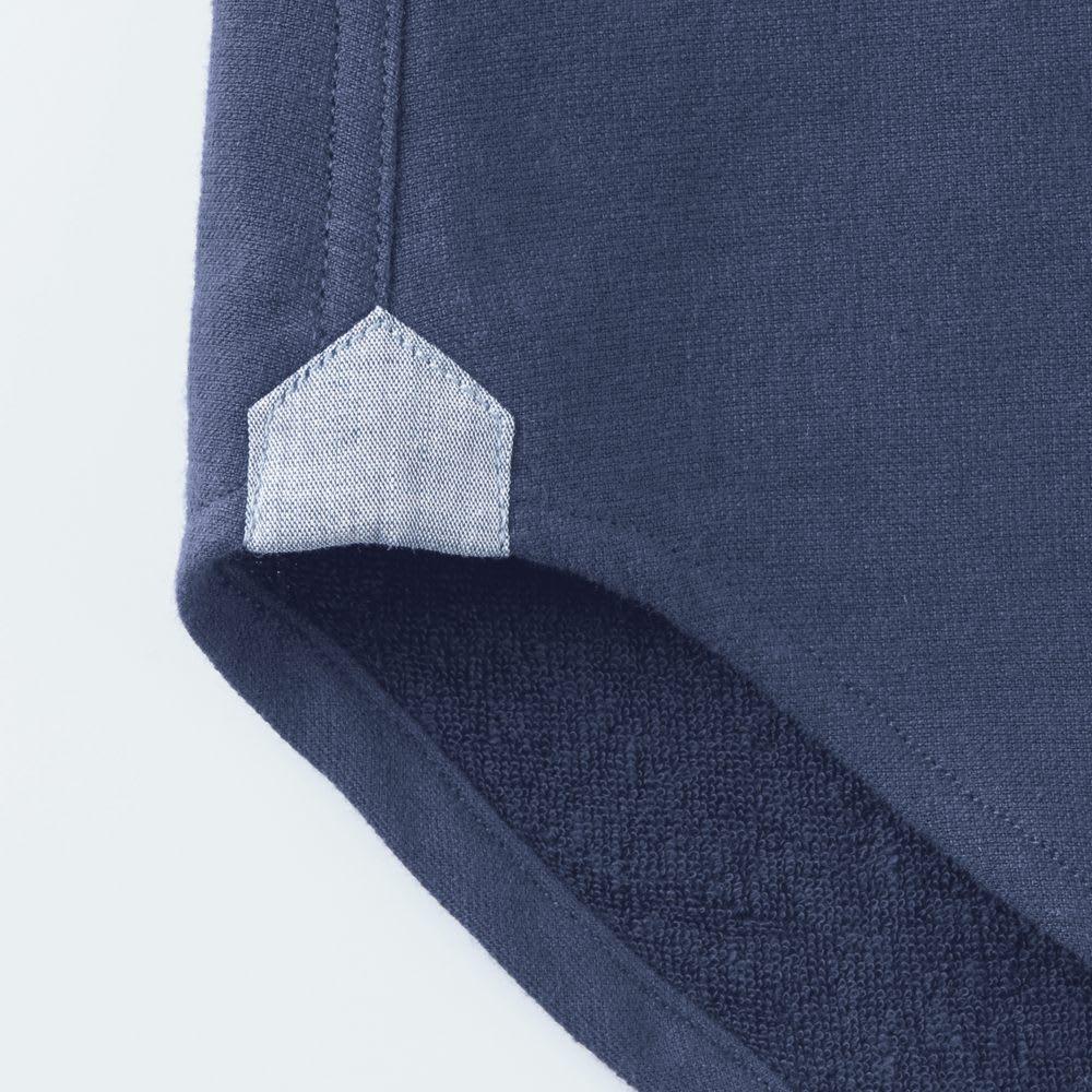 SCENE(R) タオルシャツ 裾の前身頃と後身頃を縫い合わせる部分はガゼットを付けて補強。デザインポイントにも◎。