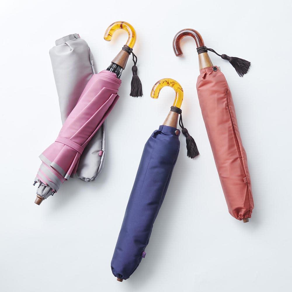[レディース]小宮商店かさね折畳み傘(名入れ有) 左から(イ)グレー×ローズピンク (ア)ネイビー×パープル (ウ)コーラルレッド×アイボリー<br />※取っ手と木製部分は素材の特性上色合いが商品によって異なります。