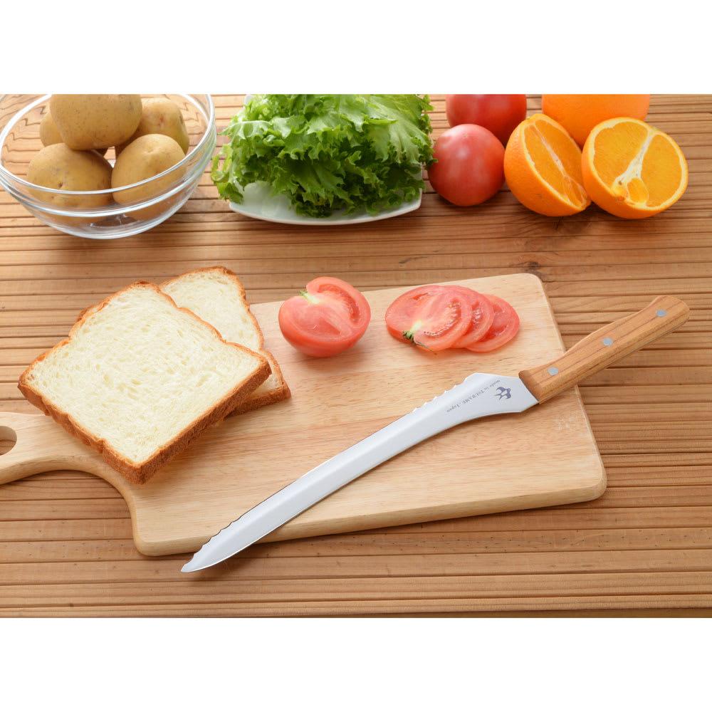 つばめのパンナイフ 硬いパンも柔らかいパンもお任せあれ!つばめのパンナイフ