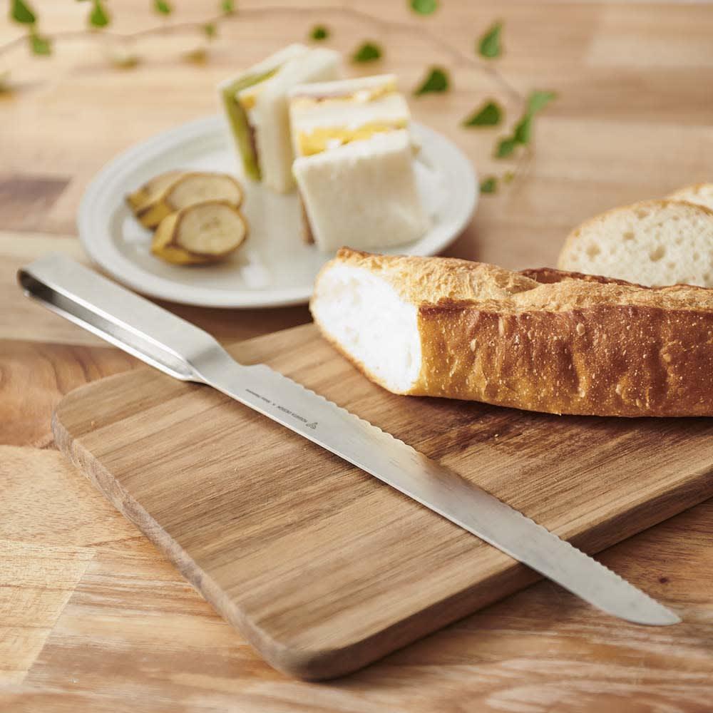 ヨシタ手工業デザイン室 パン切りナイフ 使う人のことを一番に考え生み出された、こだわりデザイン