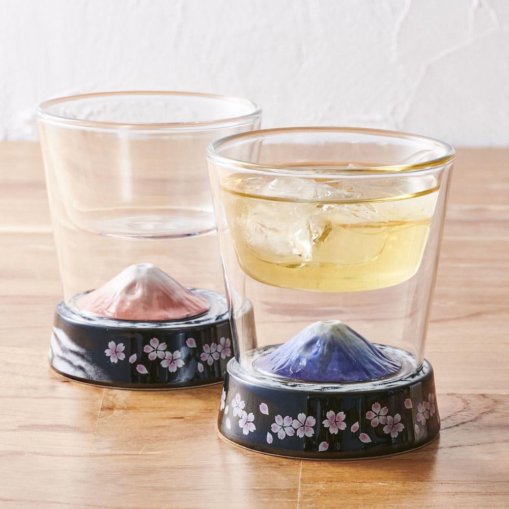 有田焼 富士グラス 有田焼と耐熱ガラスがコラボした、神秘的なグラス。手前はGF0927の富士グラス・金。