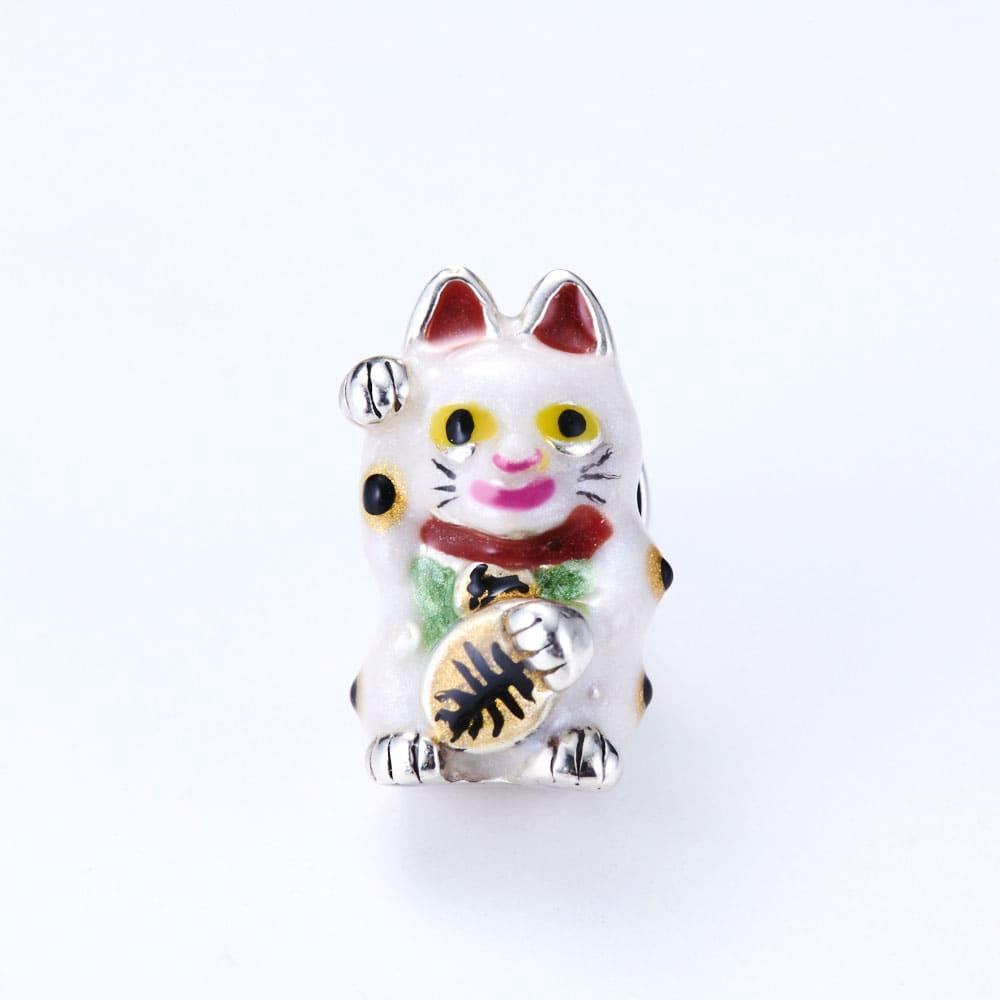 サツルノ シルバー ピンブローチ招き猫 福を呼び込んでくれそうな愛嬌のあるデザイン。
