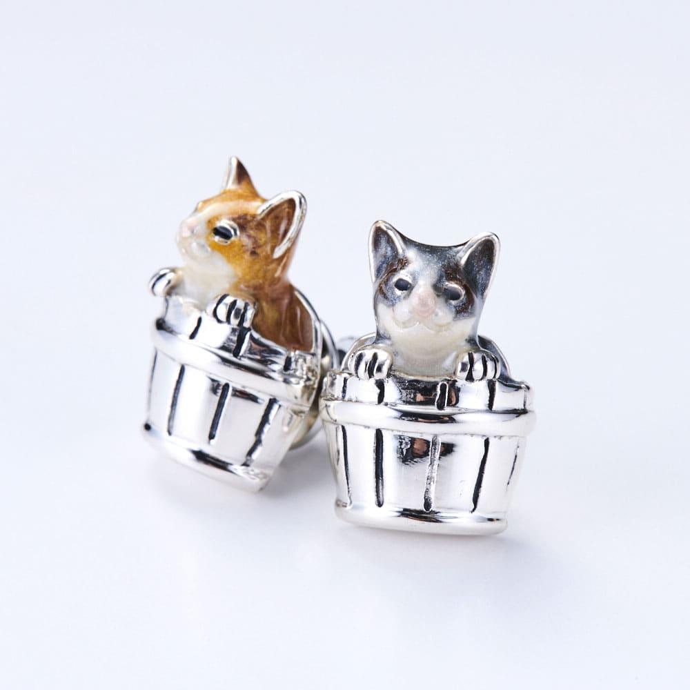 サツルノ シルバー ピンブローチ猫 レディース グレー/ブラウン コサージュ・ブローチ