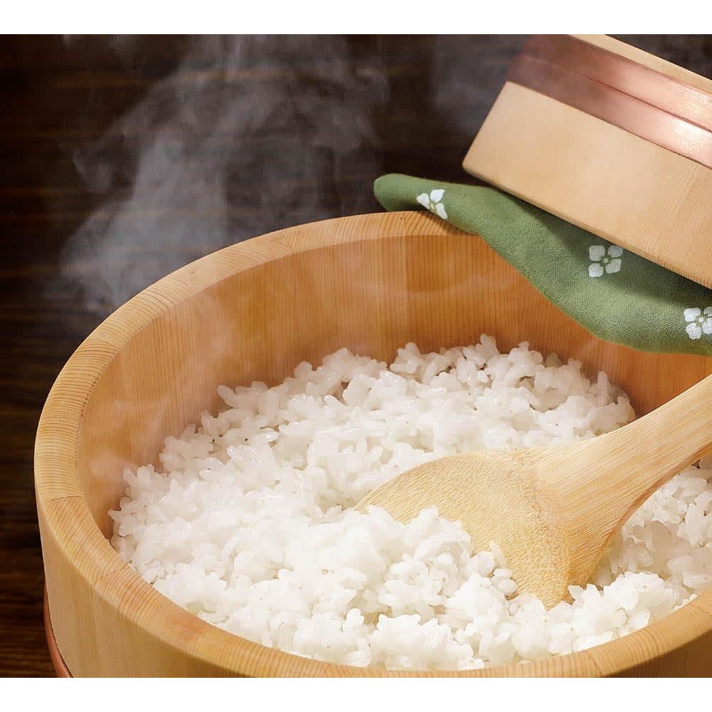 魚沼産こしひかり 一等米 精米 or 玄米 8kg(2kg×4袋) 【定期便】
