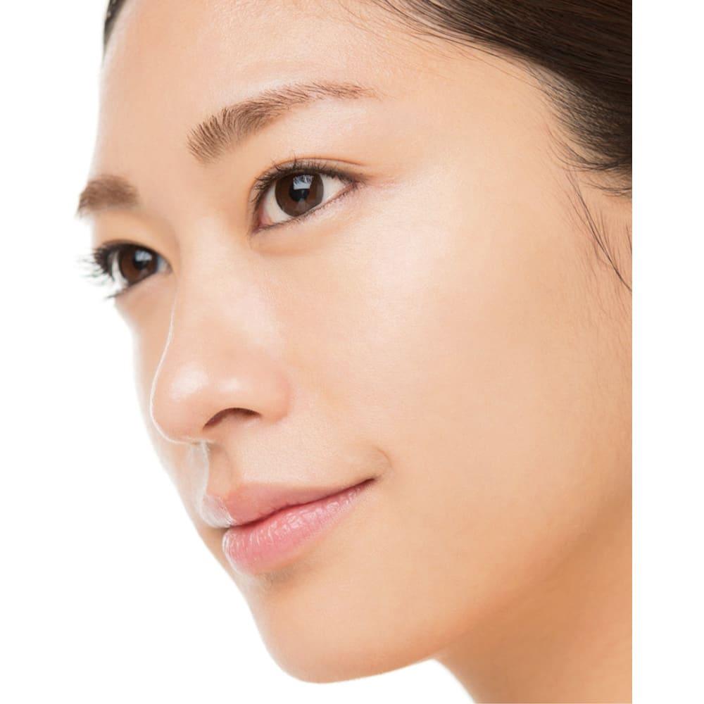 オーアンジェ パワートリートメントファンデーション 40g 【お得な定期便】 長井メイクでは、目の下から頬骨の高いところを「美肌ゾーン」と呼びます。ここをカバーすれば、頬が引き上がって見える効果も。