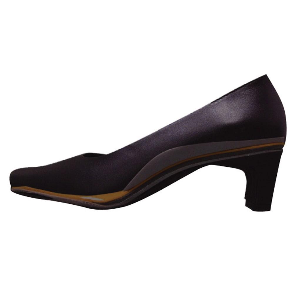 神戸の職人 時見さんの疲れにくいフォーマルパンプス 足裏に合わせて返りのよい柔らかソール。 足裏と側面に抗菌・防臭・吸湿・吸汗素材を採用。
