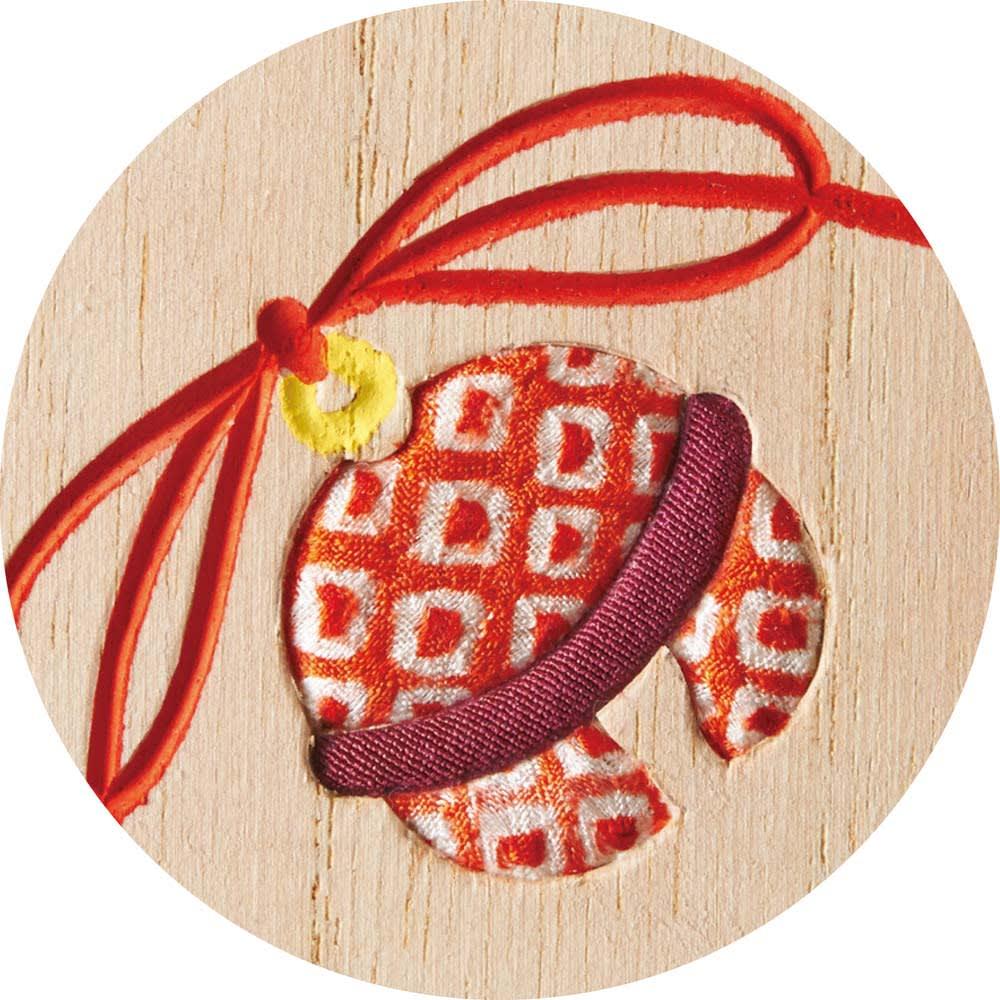 〈浅草箱長〉桐のお札立て 桐材と布地が調和した桐木目込みが彩りを添えています。