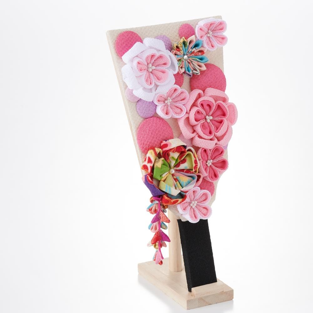 〈京都 夢み屋〉ちりめんひな飾り 花かんざし羽子板単品 花飾りはつまみ細工なので、ボリュームがあります。