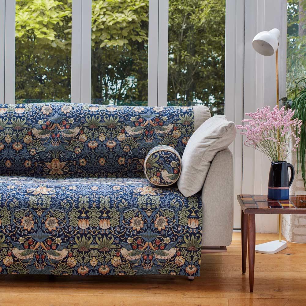 モリスデザインスタジオソファカバー (ア)いちご泥棒・ブルー系 ※写真は3人掛け用です。