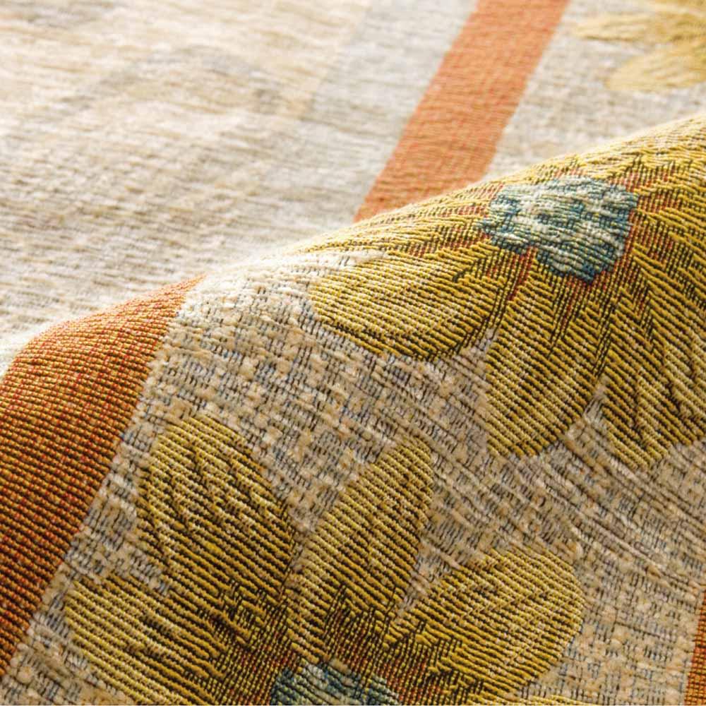 イタリア製マーガレットクッション(中身付き) Texture 「マーガレット」 シェニール糸をふんだんに使用し、柔らかな肌触りに仕上げたジャカード織。