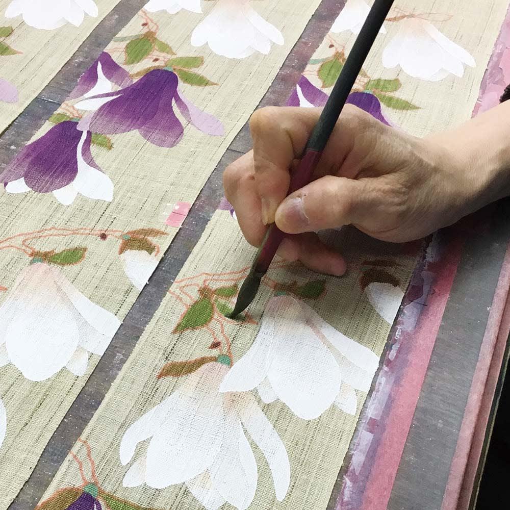 〈京都洛柿庵〉細タペストリー 春の花 ※2点以上5%オフ 【京都洛柿庵】洗練されたデザインを色彩豊かに染め上げています。