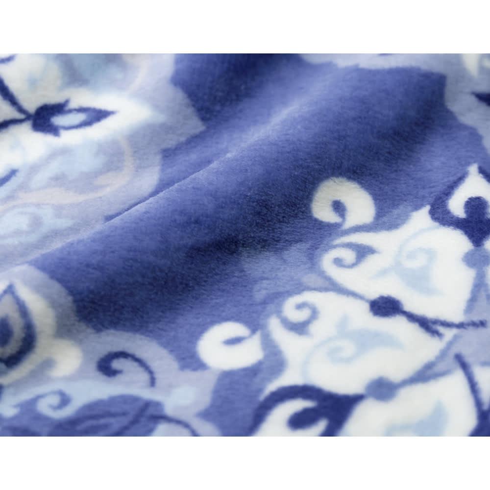 布団の老舗・西川 毛布仕立て布団カバー(ダブル) (イ)ブルー 表面には極細のマイクロファイバー生地を採用!