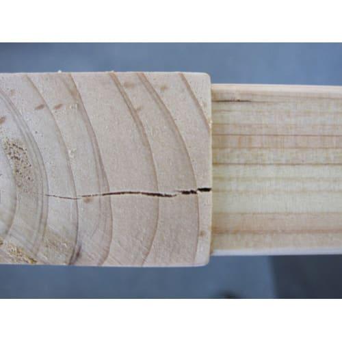 国産檜 頑丈突っ張りシェルフラック 奥行29cm 幅75cm 大工さんが用いる伝統工法のため木を組込むとひび割れが生じることがあります。 天然無垢材ですので、強度や構造には問題ございません。御了承のうえお申し込みください。