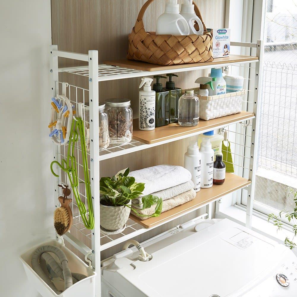 北欧テイストランドリーラック 棚3段 (イ)ナチュラル ごちゃつきがちな洗面台周りの化粧品やタオルをおしゃれに収納できます。