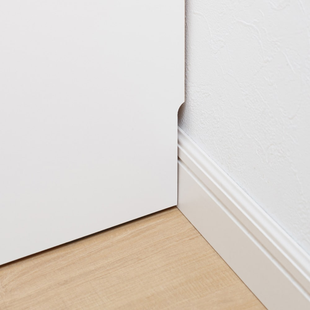 薄型ステンレス天板カウンター 幅120cm 幅木よけカット(9×1cm)で壁に隙間なく設置できます。