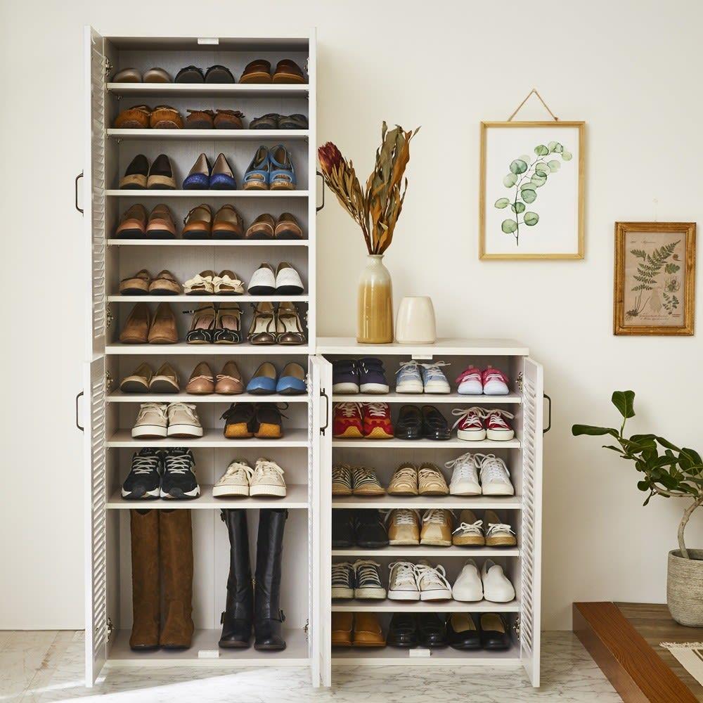 省スペースで快適なルーバー扉シューズボックス(幅60、高さ180cm) 棚板は3cm間隔で可動するので、ロングブーツも収納可能です。