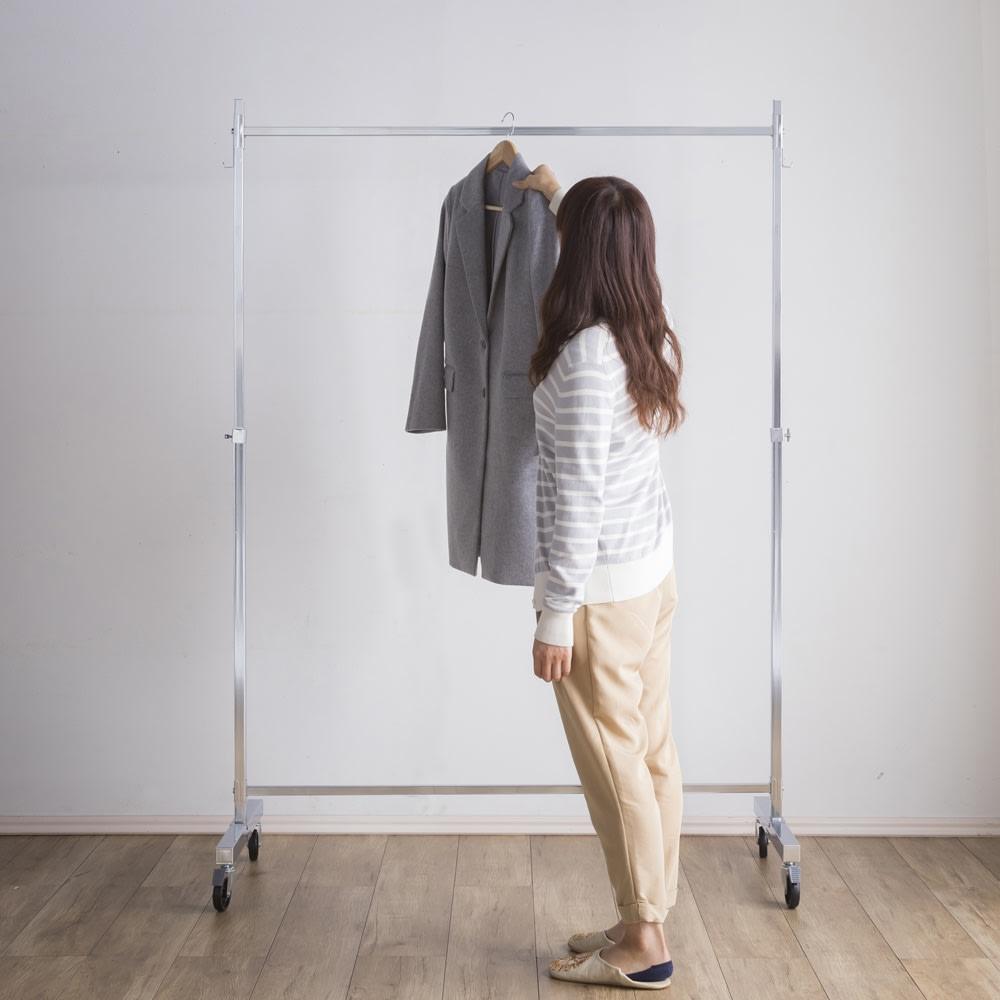 プロ仕様 頑丈ハンガーラック「リモニ」 シングルタイプ・幅100cm 高さが変えられるから、お手持ちのジャケットからコートまで衣類の丈に合わせて使えます。