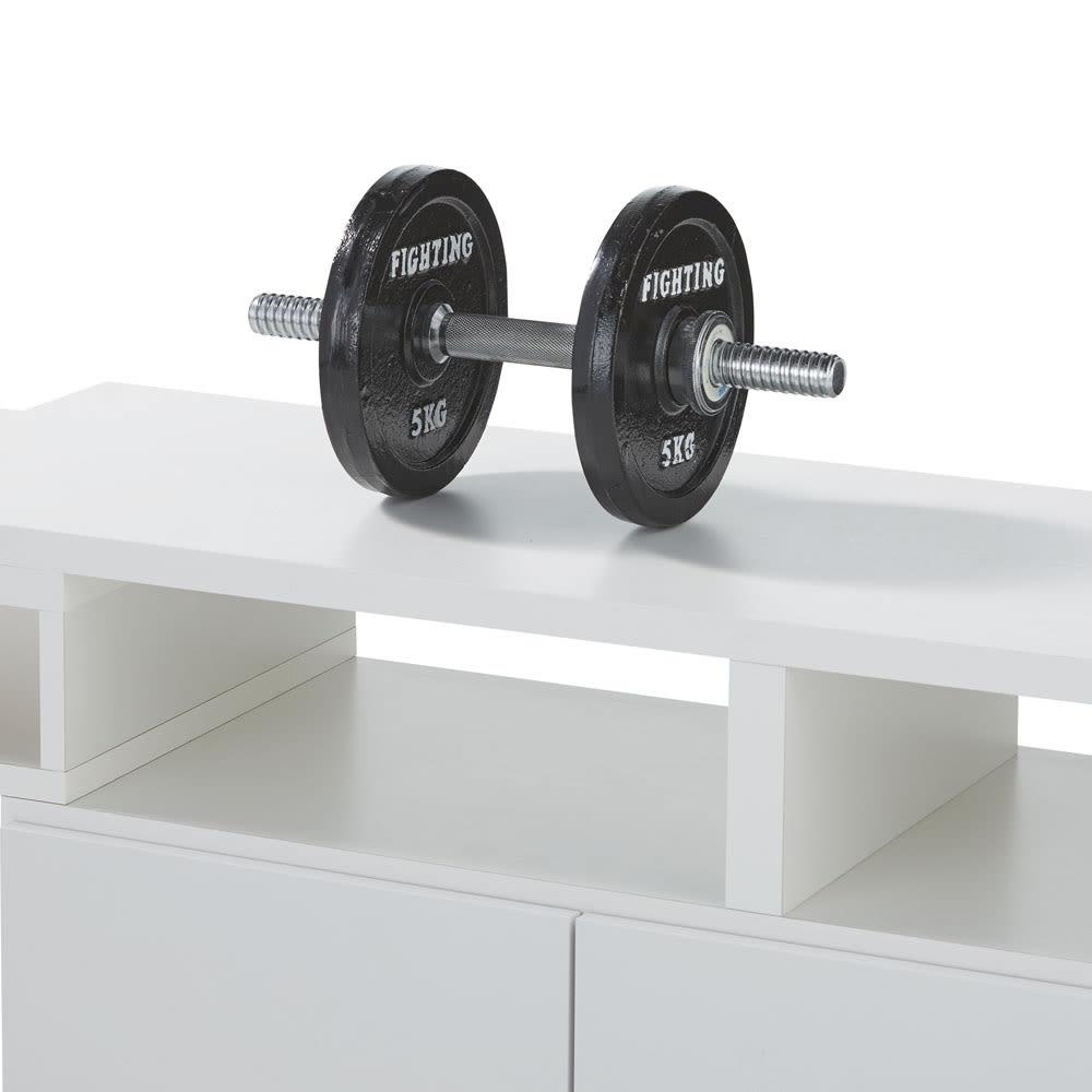 伸縮式スイングテレビ台 オープン部には頑丈な補強板があり、天板の加重をしっかり支えます。天板耐荷重40キロ。