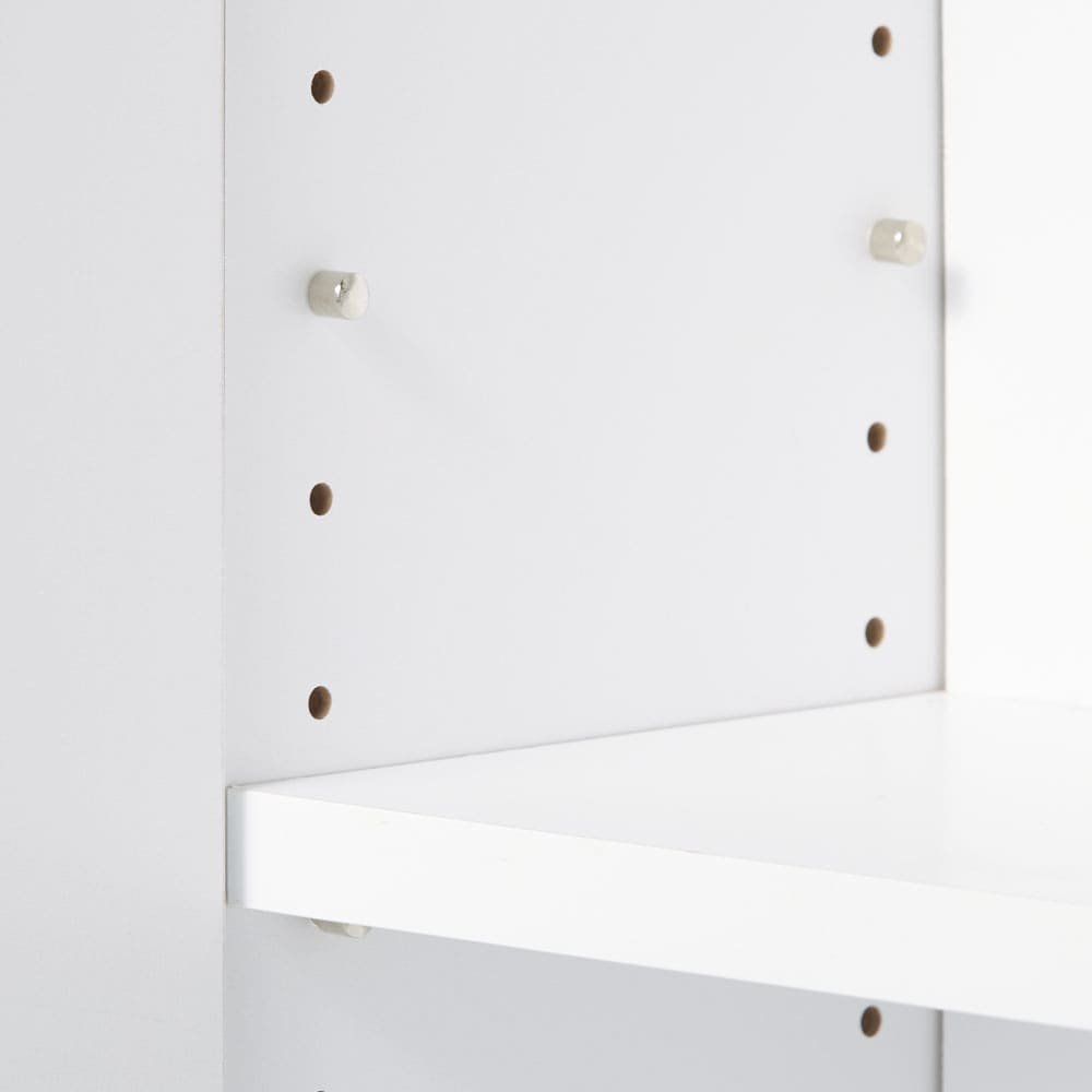 扉つきカウンター下収納 幅59cm(2枚扉) 可動棚はダボで固定する構造です。