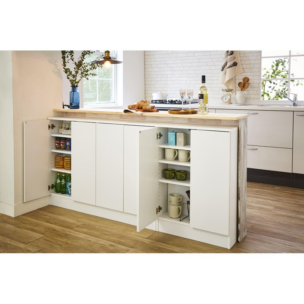 扉つきカウンター下収納 幅59cm(2枚扉) カウンター下に設置して食器棚としても活躍します。 ※シリーズ商品を並べた場合