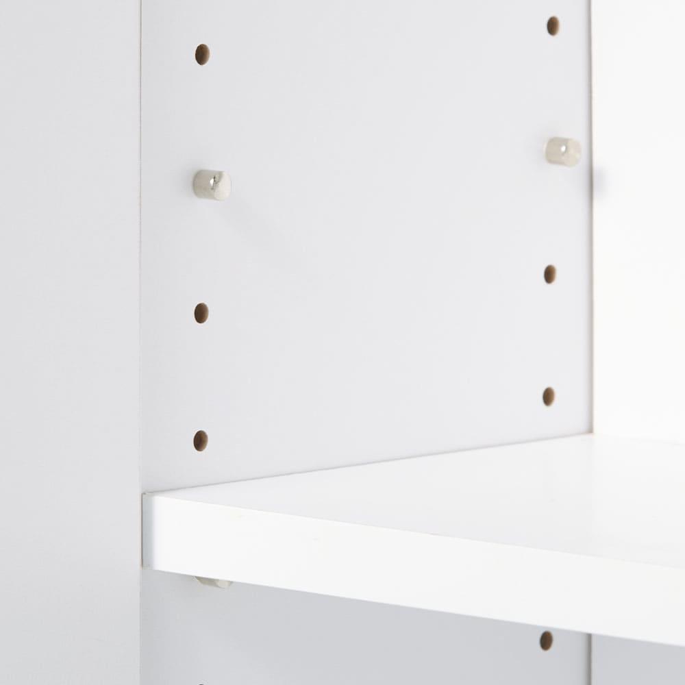 扉つきカウンター下収納 幅119cm(4枚扉) 可動棚板は3センチ間隔で調整できます。
