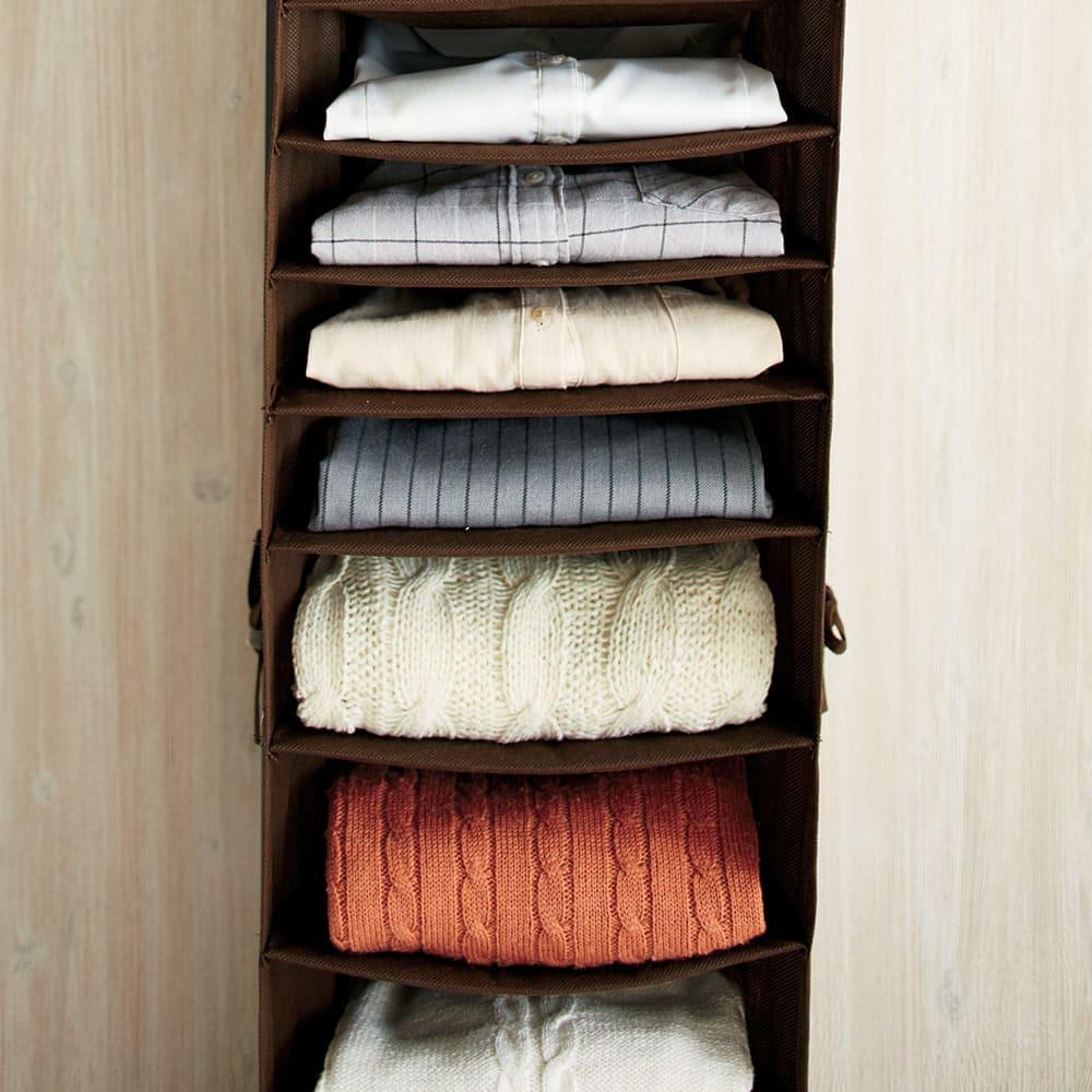 ワイシャツ&ニット収納ラック付き 伸縮ハンガーラック 服の厚みにあわせて収納できる高さ設定。