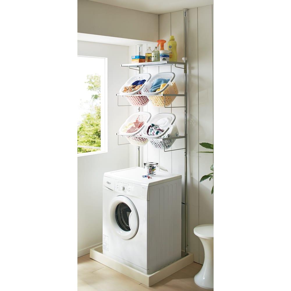 洗濯機パンに収まる 段差対応ランドリーラック 棚1段・バスケット4個 家族みんなの洗濯物やタオルが収納できる棚1段・バスケット4個タイプ。 バスケットサイズ=29.5×36×22cm